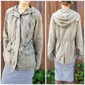 H&M | army green lightweight hooded utility jacket